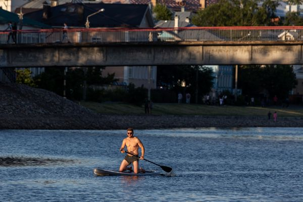 Sup-surfing in Vologda