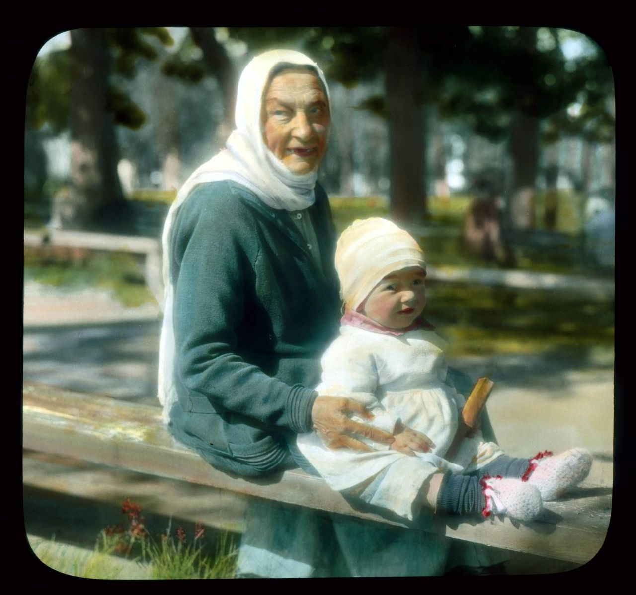 grandmother and child Saint Petersburg Peterhof Palace Park credit branson DeCou public.jpg
