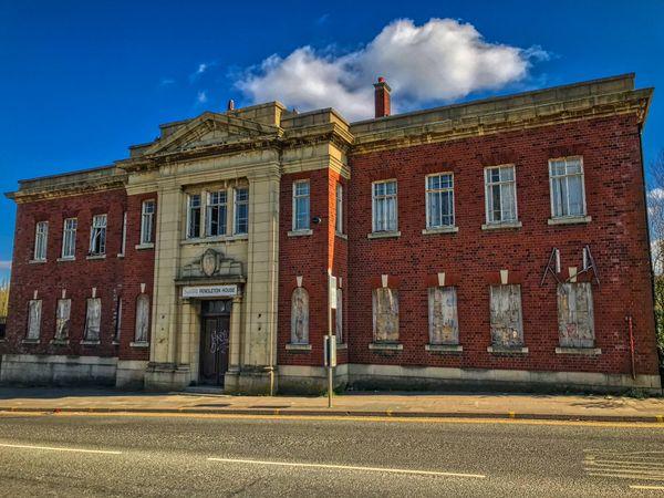 Tales of the Urban Explorer: Pendleton House