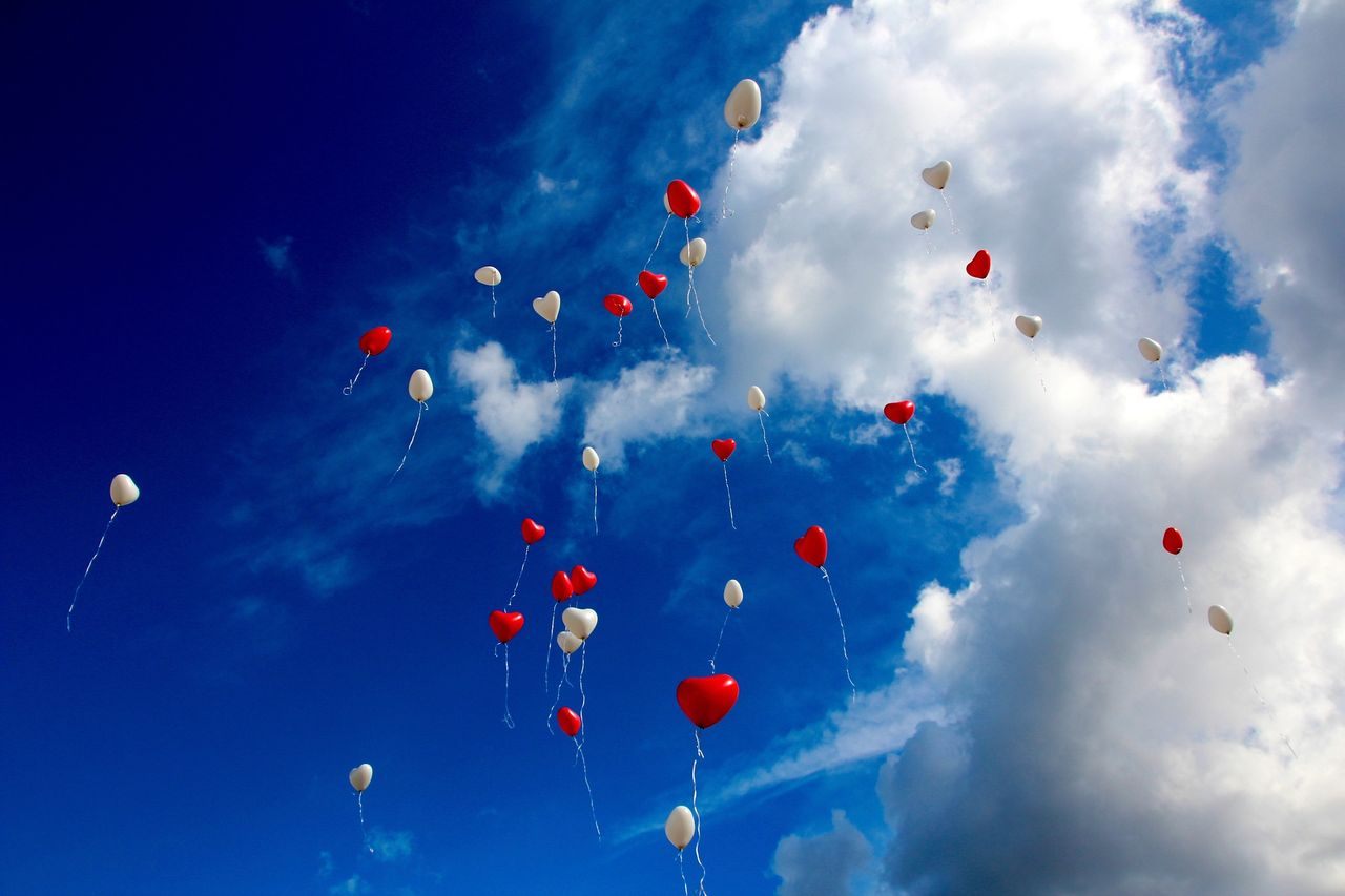 balloon-1046658_1920.jpg