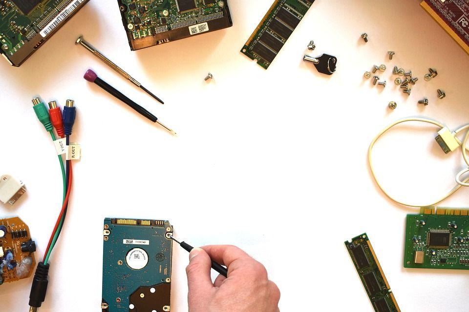 hardware_3509893_960_720.jpg