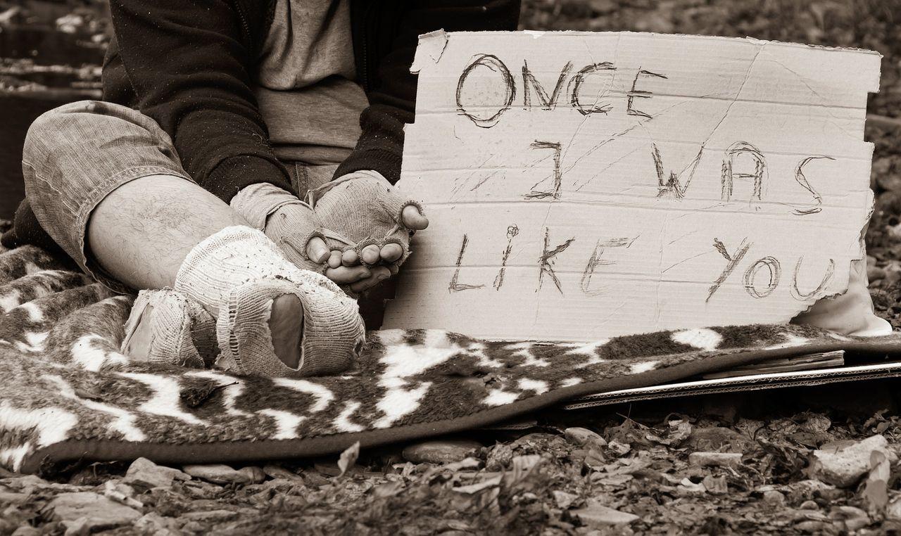 homeless-man-5559310_1920.jpg
