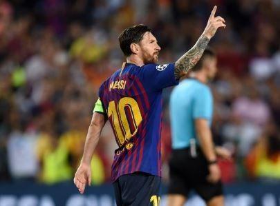 Messi-Moves-Ahead-Of-Ronaldo-To-Break-Hat-trick-Record190183165193674406.jpg