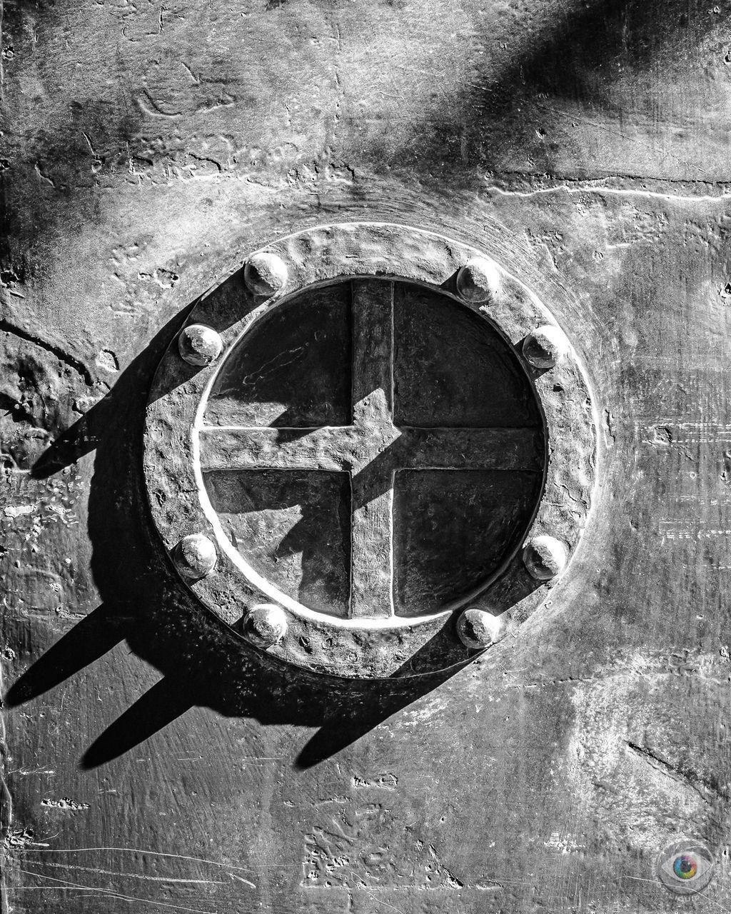 Metal Door Cross - Grey