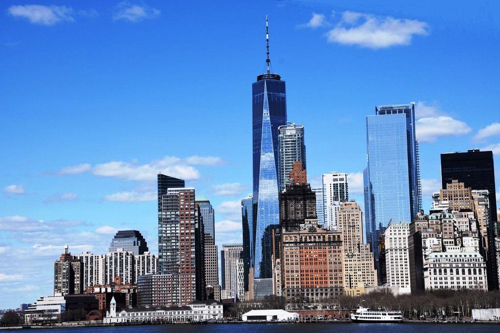 skyscraper-3295839_1280.jpg