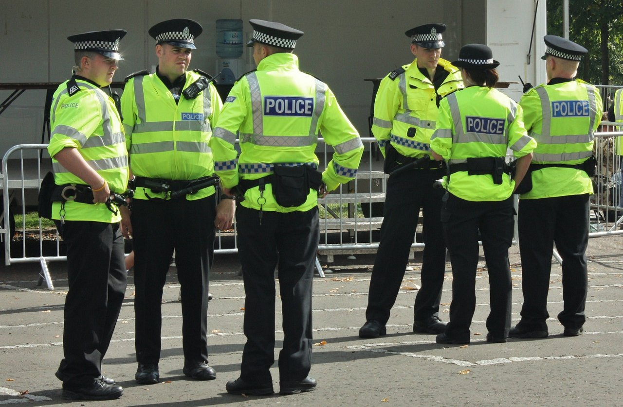 Police_in_Glasgow.jpg