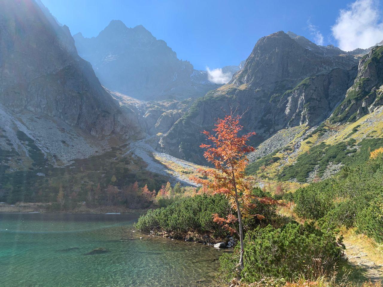 Mt Lomnica and Zelene Pleso mountains pond, Slovakia
