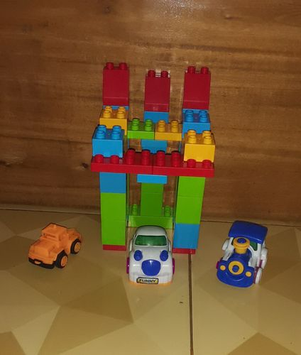 Build a house with this block toys.