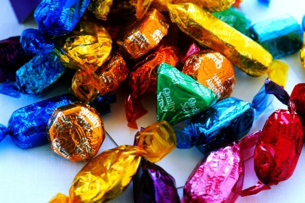 PROD-Chocolates-spilling-from-box.jpg