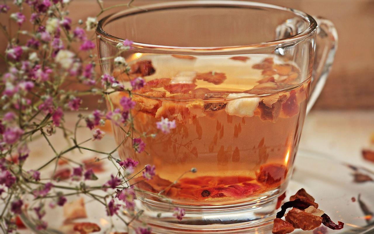 Apple tea. Photo by pixel2013