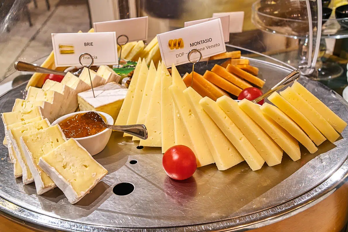 Luckily there was some Venetian cheese for the breakfast. However, we wouldn't mind some other Italian fine cheeses.