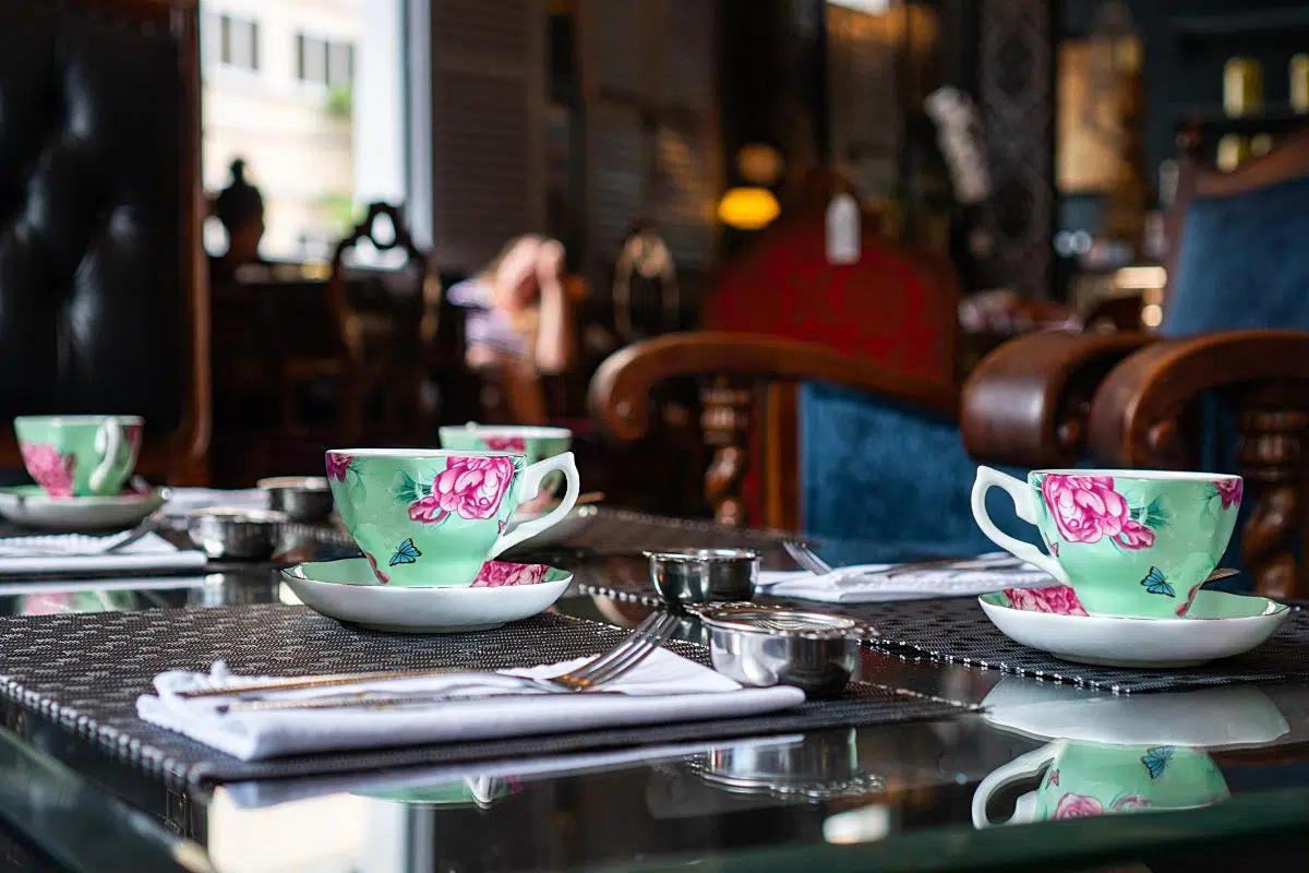 Cups aren't antique but still chic!