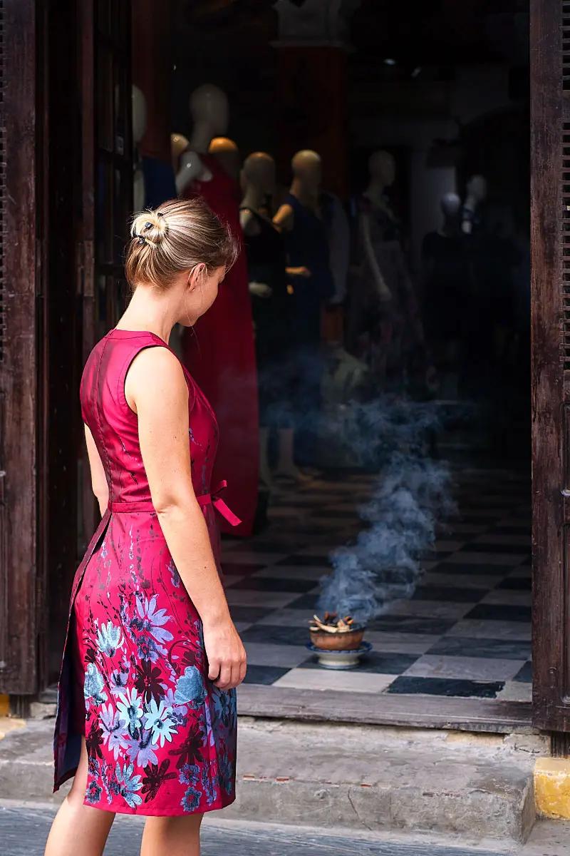 Smoking ritual in Hoi An
