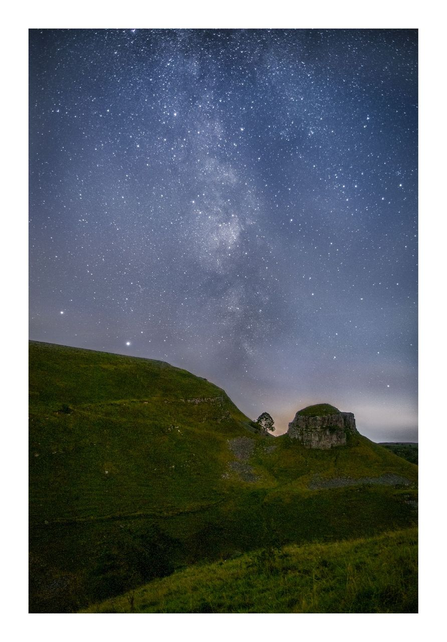 09Peters Stone Milky Way - © Kieran Metcalfe Bdr.jpg