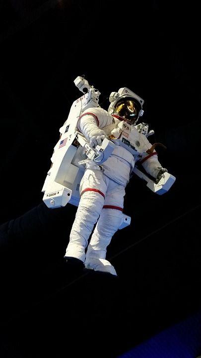 astronaut-1859534_960_720 schwerelos #.jpg