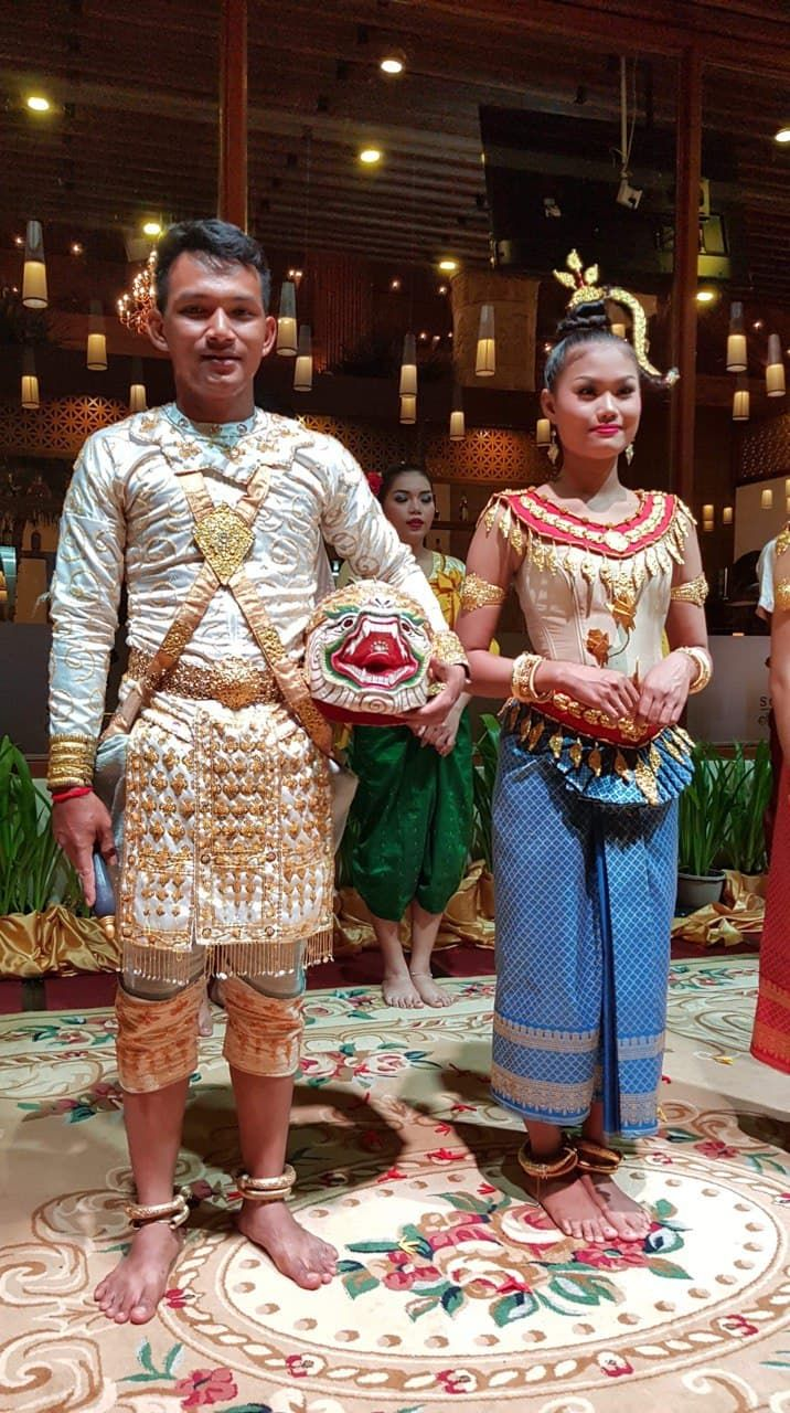 Khmer dances at the hotel, who performed Khmer traditional dancing