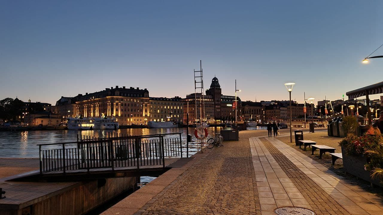 We decided to walk along with Stockholm bay.
