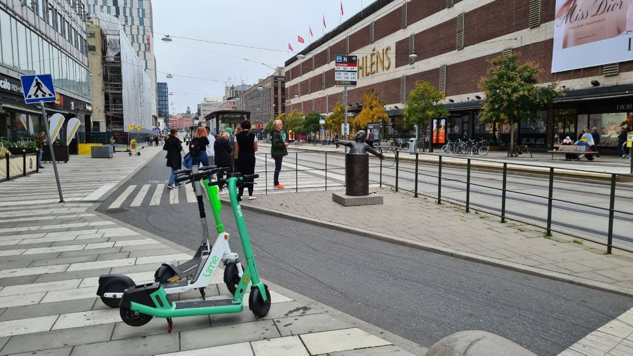 In Stockholm, more and more people use electric scooters in the city.