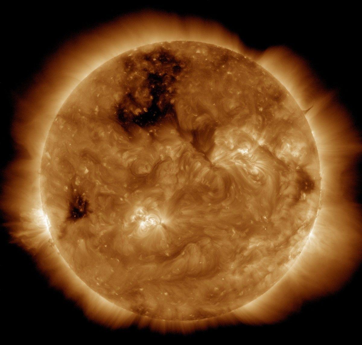 sol, luz de sol, cosmos, atmósfera, naranja, espacio, Luna, circulo, Nasa, espacio exterior, energía, corona, astronomía, ardiente, Bola de fuego, erupción, Objeto astronómico, Explosión de radiación intensa, Hacer, erupción solar, Fotos gratis In PxHere