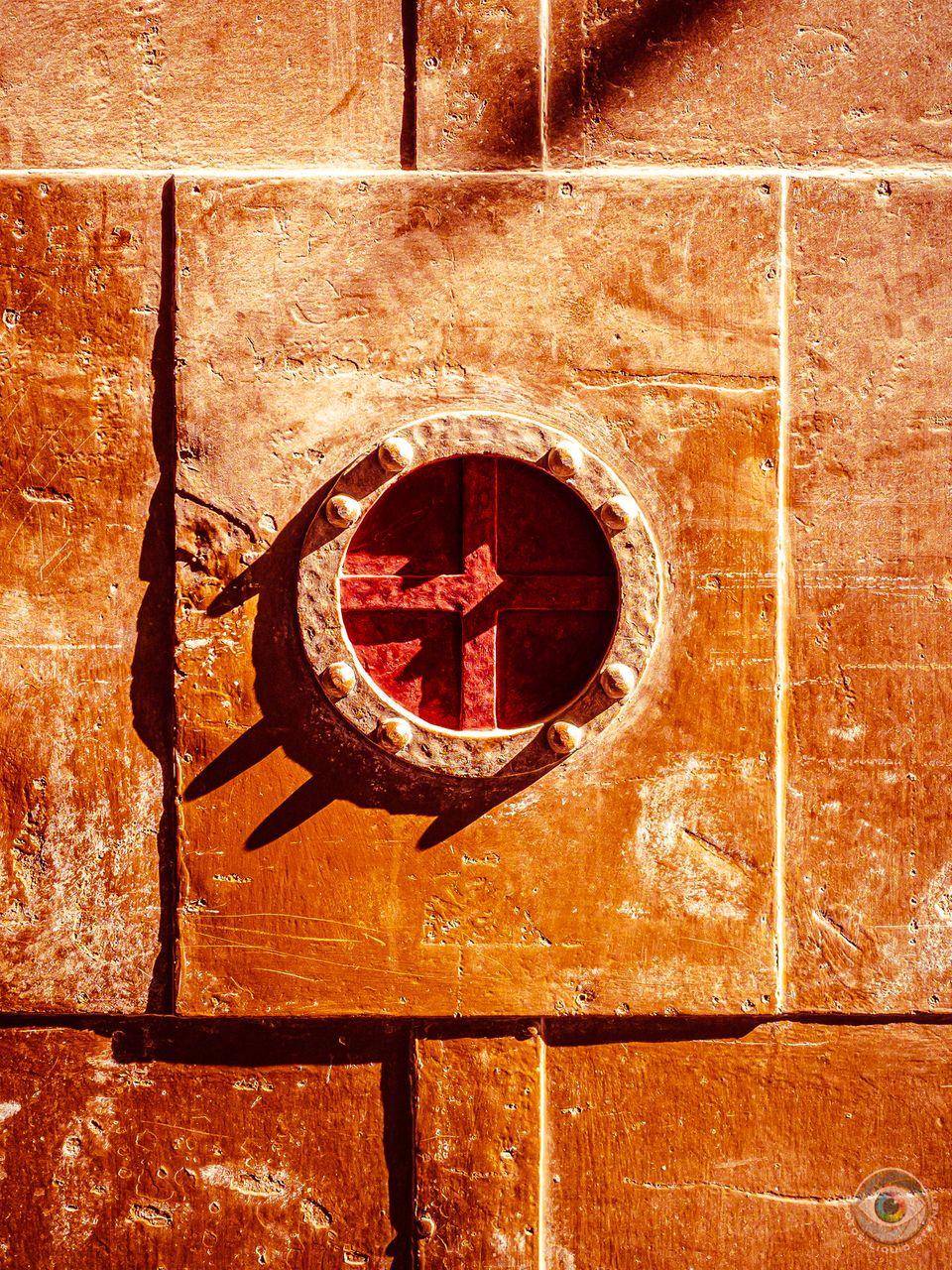Metal Door Cross - Red