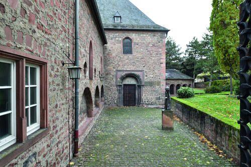 Worms Synagogue, Courtyard / Synagoge in Worms, Seitenansicht