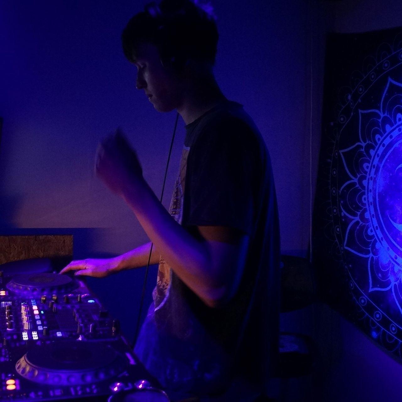 Bo DJ.jpg