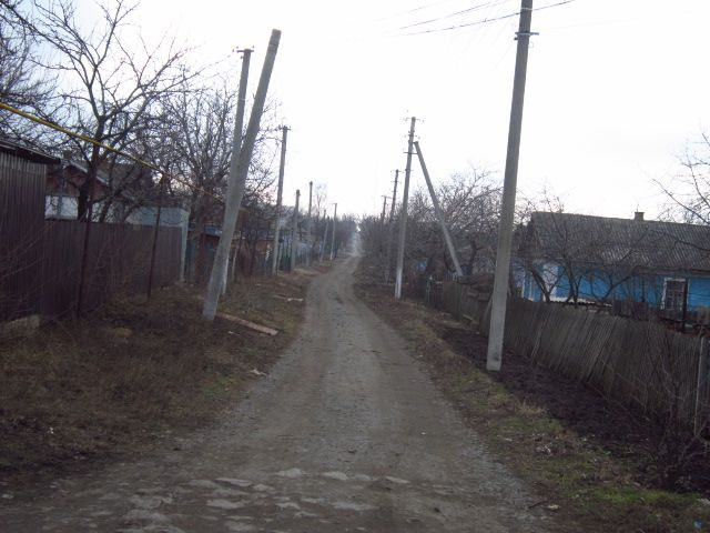 We move along Heroes Street towards Zheleznodorozhnikov Street. We pass through such crossroads