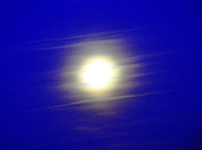 Moon_ww.jpg