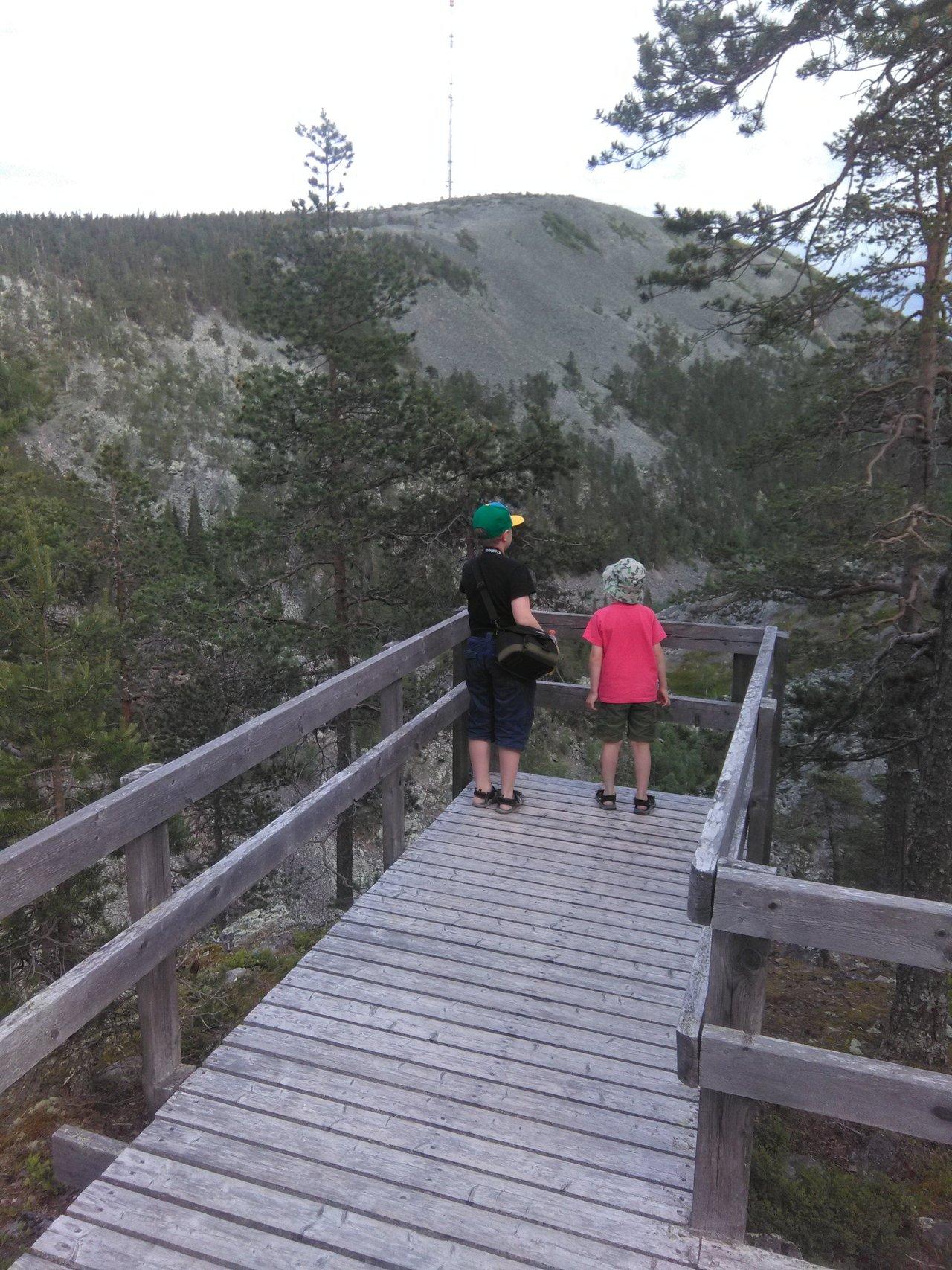 Our hiking trip to Karhunjuomalampi in Pyhätunturi, Lapland.