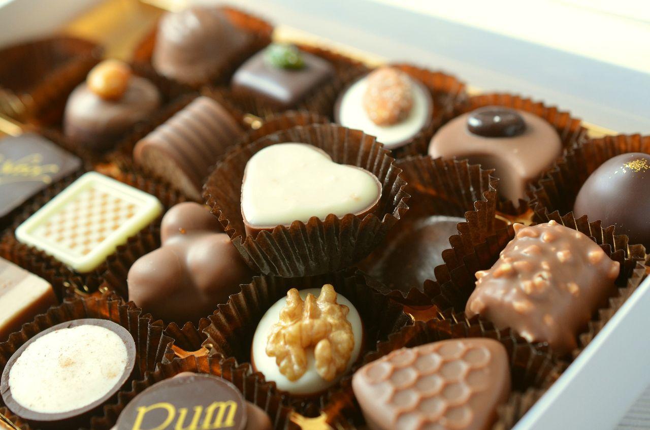 chocolates-491165_1920.jpg