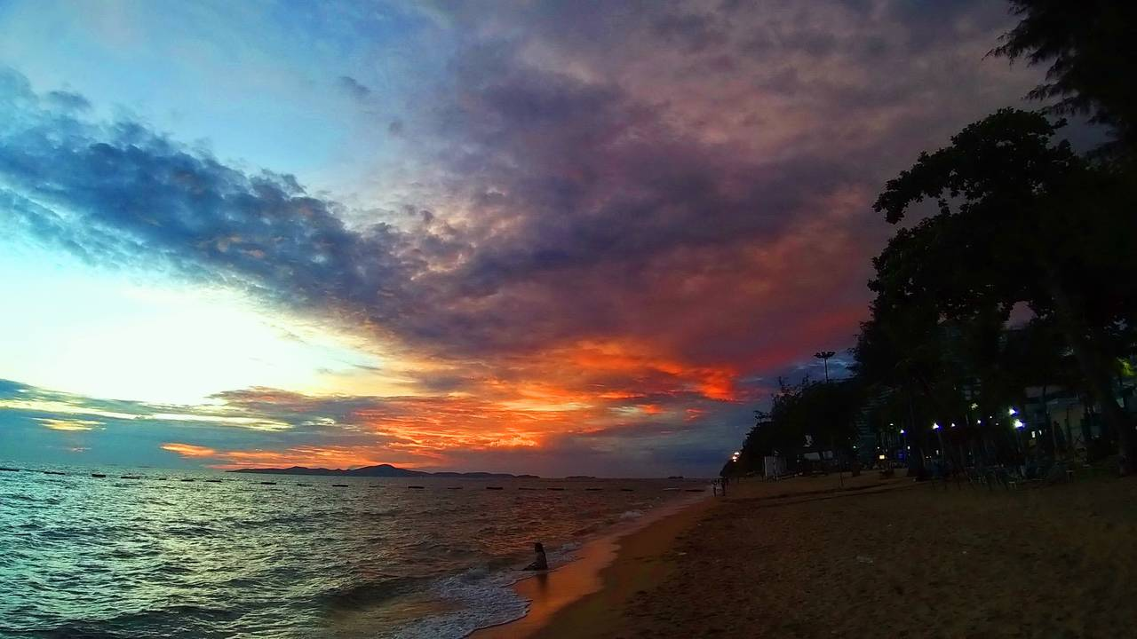 pattaya_beach_oct_2020_721.jpg