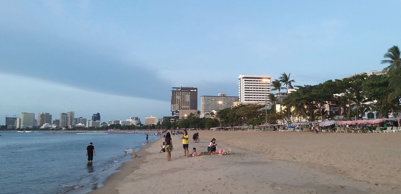 tinman88_pattaya_beach_559.jpg