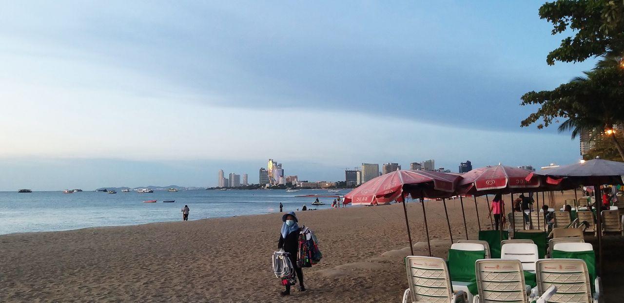 tinman88_pattaya_beach_565.jpg
