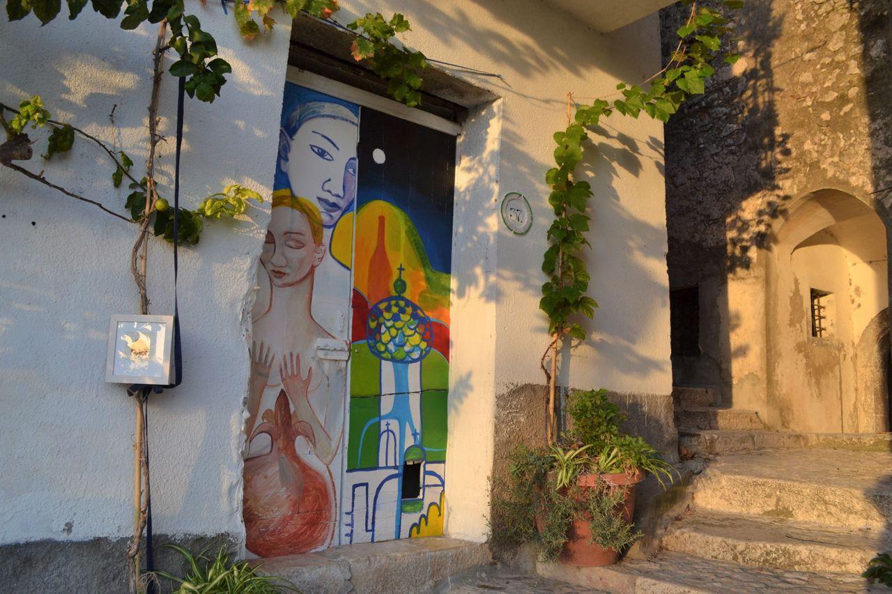 front doors on the Via Dietro Gli Orti.JPG
