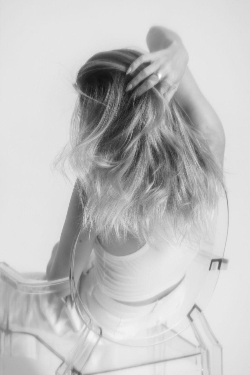 !19transparent_kartell_louis_ghost_zara_white_jeans.jpg