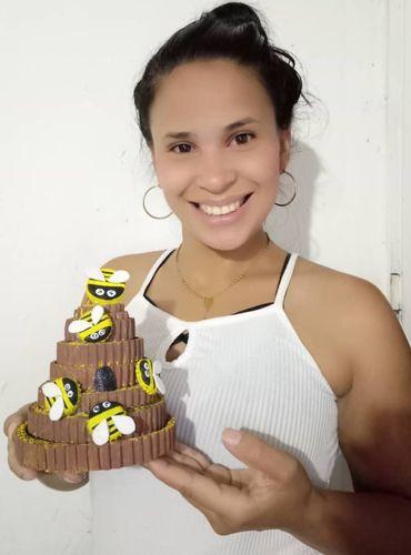 {Ing~Esp}Beautiful beehive made of useful materials!\\🐝🍯Hermosas colmena de abejas realizada en materiales de provecho! 🐝🍯