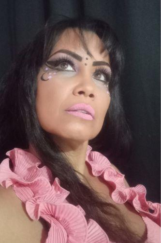 Maquillaje Artístico Inspirado en la fantasía de tres colores: Morado, rosado y verde- Artistic Makeup Inspired by the fantasy of three colors: Purple, pink and green/  por @elinorrg
