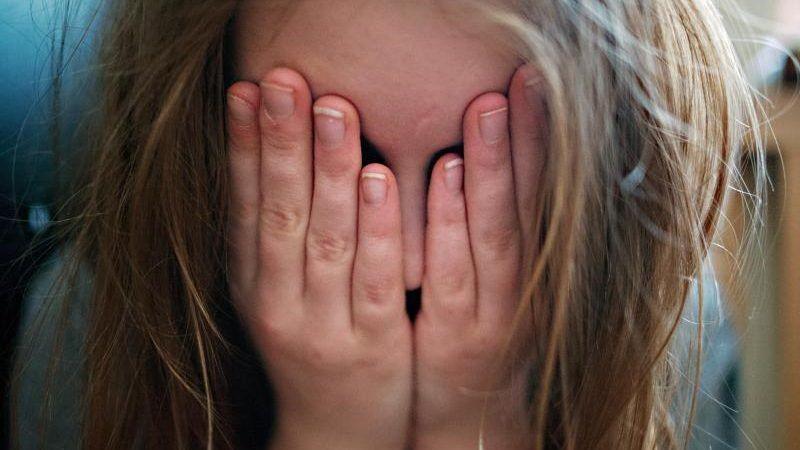 urn-newsml-dpa-com-20090101-151022-99-10972_large_4_3_Opfer_von_von__Kindesmisshandlungen_haben_Forschern_zufolge_ein_erhoehtes__Risiko_fuer_koerperlic-800x450.jpg