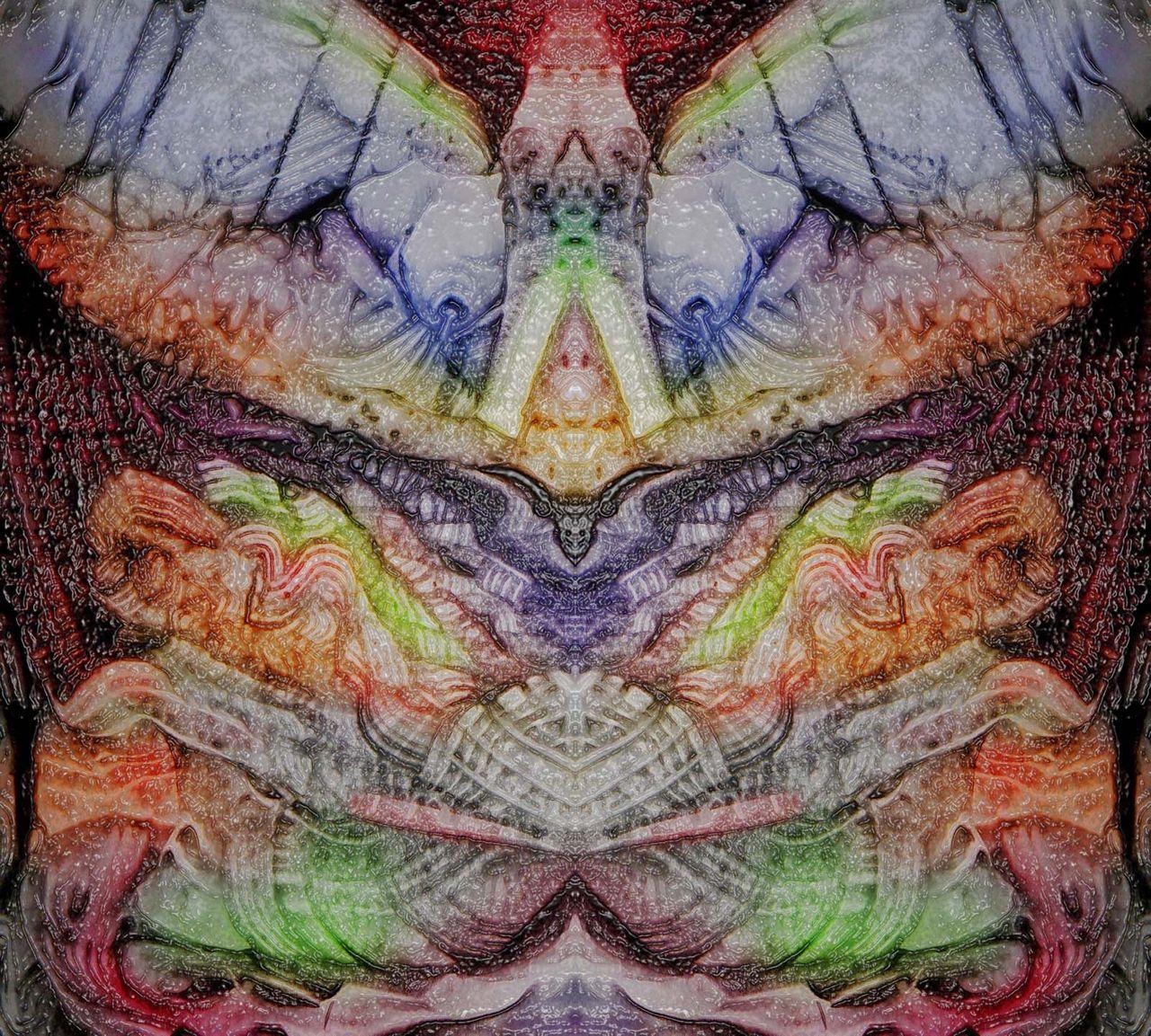 DSCN6968colormirrorplastic  web1600.jpg