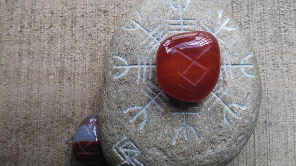 Daily Runes - Legacy // Runas Diarias - Legado