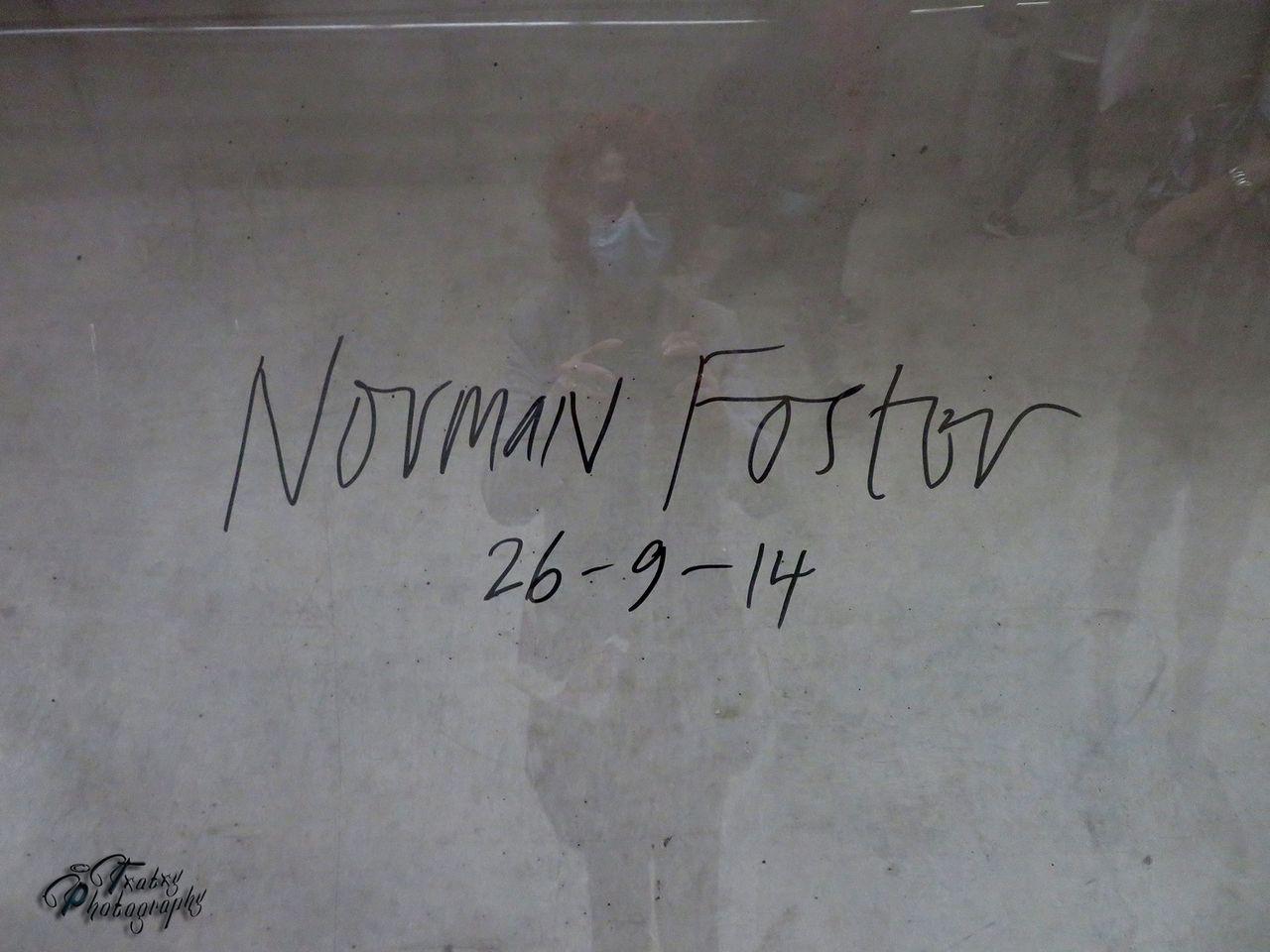 firma Norman Foster.jpg