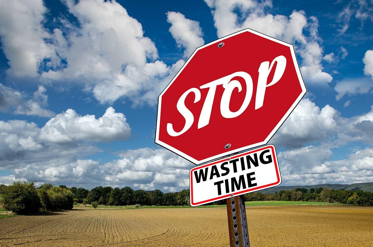 stop-3089945_1280.jpg