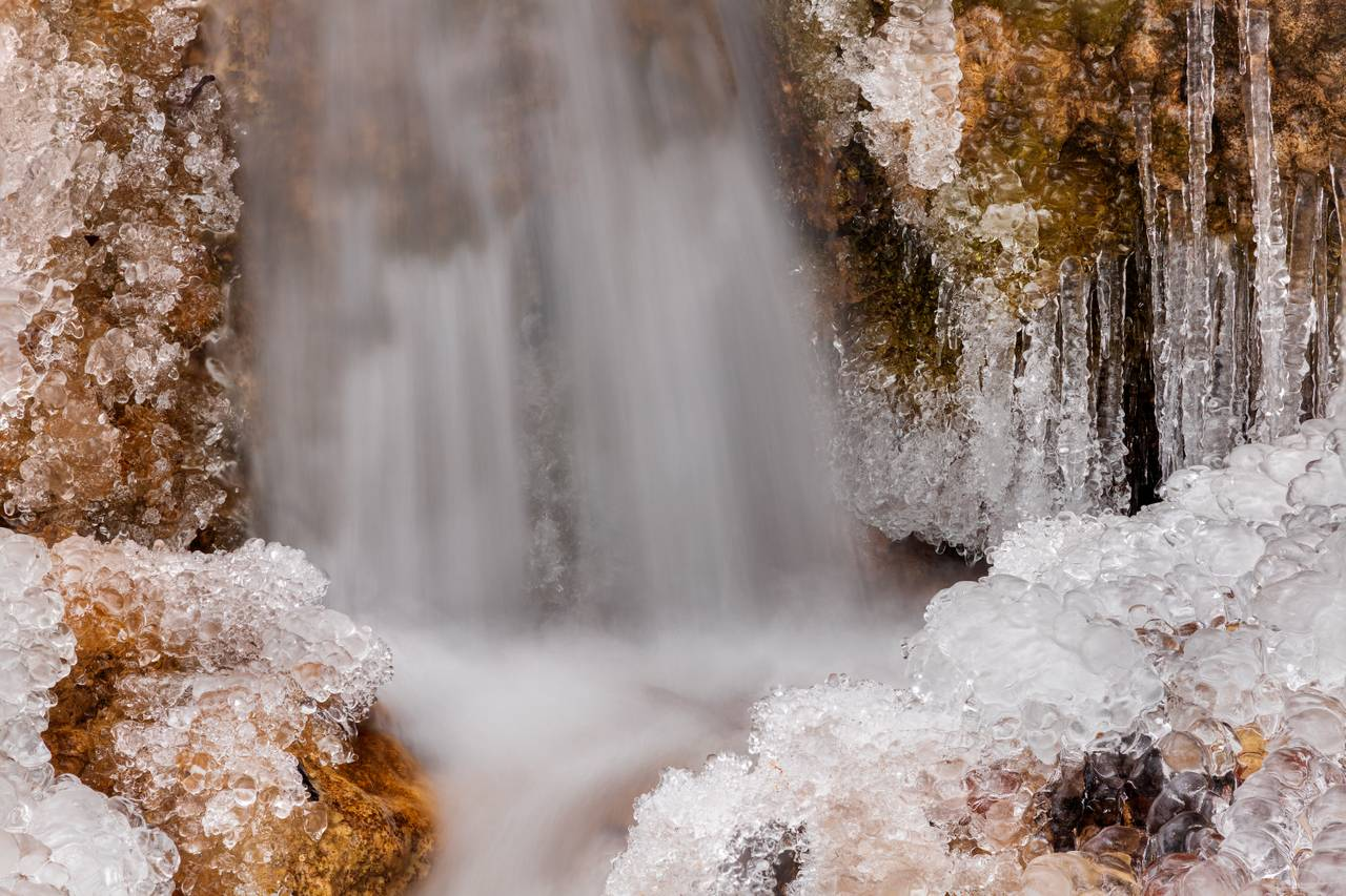 Clear as glass - Ice around the waterfall